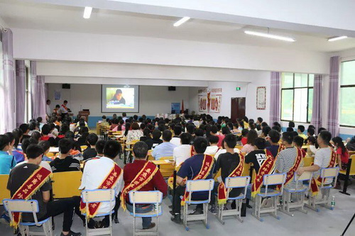 中建五局娄底宁邦项目部组织志愿者参与禁毒宣传活动守护无毒青春