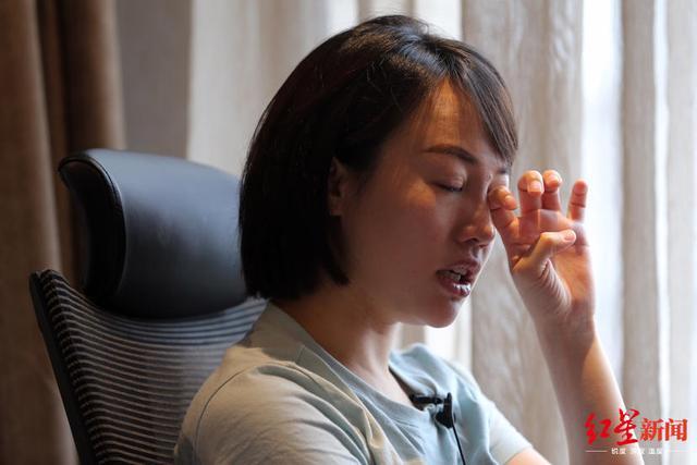 独家专访奔驰维权女车主:我被大家硬生生顶了上去