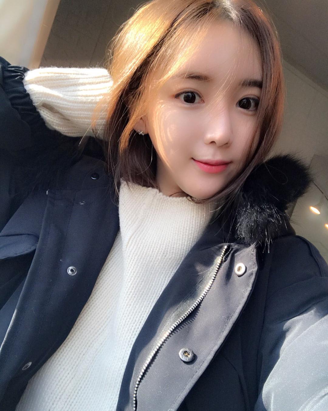 韩国美女模特lilolilo,清秀靓丽,精选合辑二40张