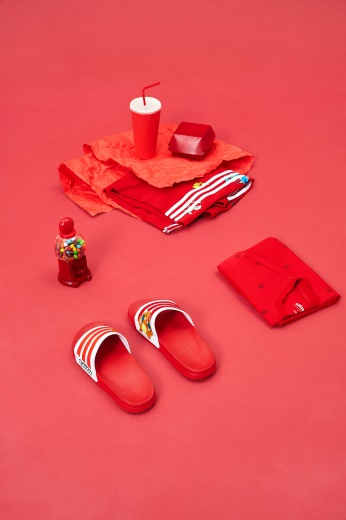 """生来好动 宠物小精灵闯入adidas neo,快来领走你的""""皮卡丘""""!"""