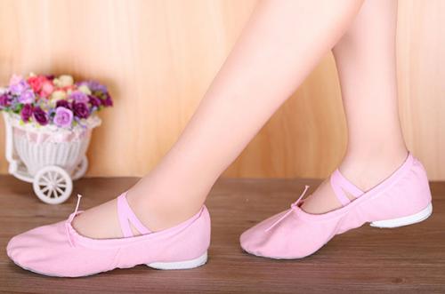 來一雙思棠瑜伽舞蹈鞋 做優雅迷人的芭蕾舞精靈