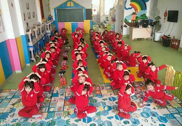 黑龙江拜泉县晶晶幼儿园举办母亲节感恩活动