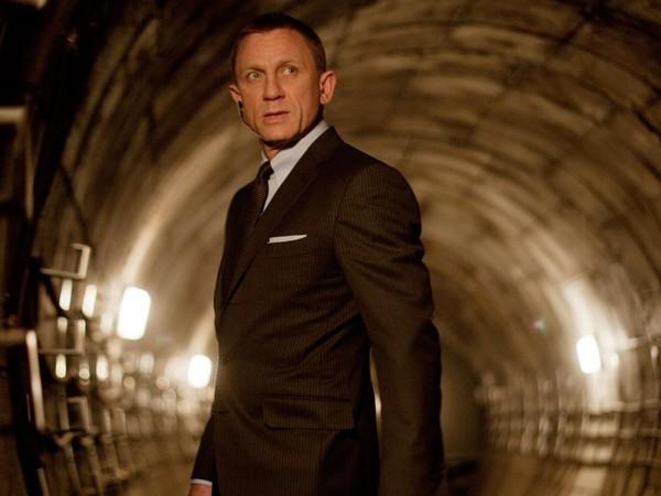 男主角丹尼尔-克雷格拍戏滑倒受伤 《007》剧组全面停工