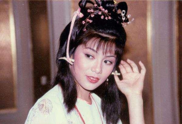 翁美玲去世34周年!黄日华送上鲜花,初恋男友写寄语,未见汤镇业