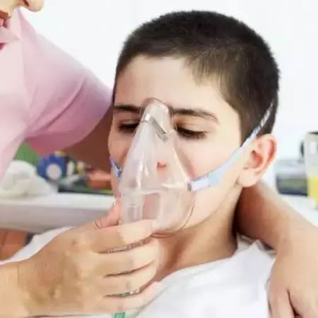 游泳人均哮喘_支气管哮喘图片