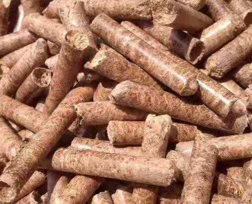 松木颗粒燃料颜色不能决定燃料质量