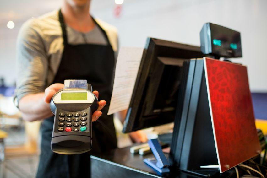 這家信用卡風控可圈可點 不良率保持低位持平去年
