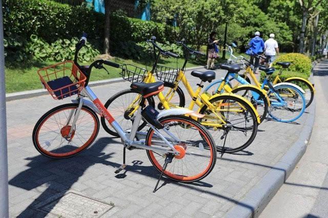 北京清理违规共享单车5万辆 违规停放或计费