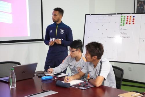 英超-中超青少年教练培训在南京举行  双方青训合作落实第一步