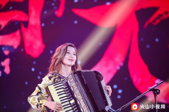 永遠不滅對音樂的堅持,狼王尤里滕州開啟回歸音樂會