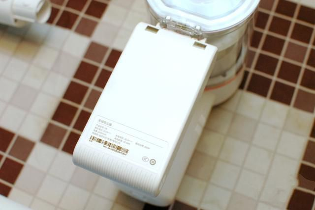 比肩戴森的无线手持吸尘器:价格屠夫小米生态