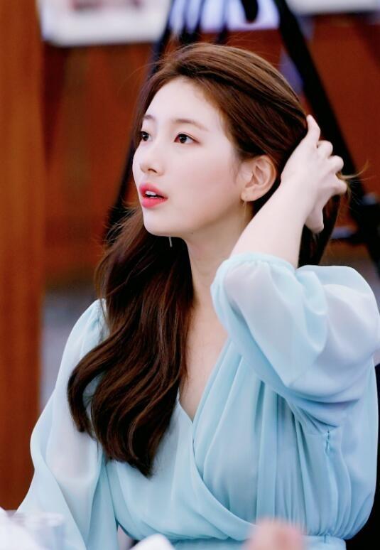 同款口红色号能卖到脱销!JYP的亲女儿又靠美貌赢了?