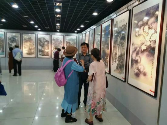 """""""喜迎建国70周年 ・ 全国中国画邀请展""""在北京大兴区文化馆隆重开幕"""