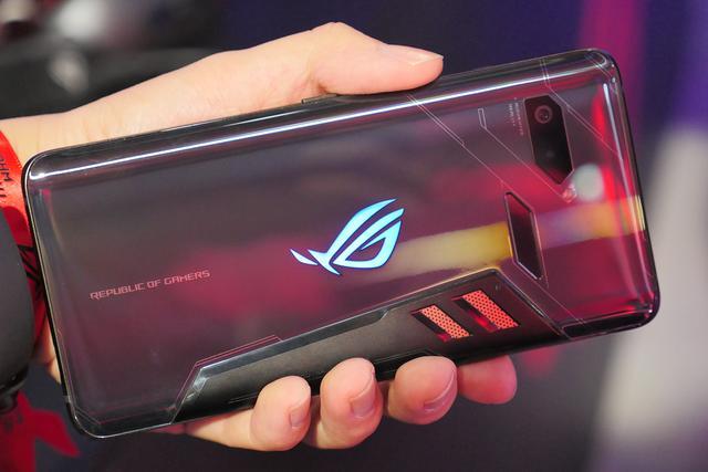 ROG与腾讯游戏强强联手,打造120Hz刷新率手机,网友:超期待