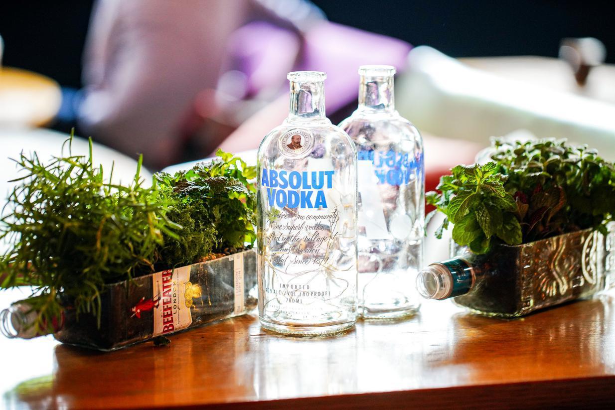 保樂力加中國與清華SDG研究院共同首發《中國可持續發展酒吧倡議與運營指南》
