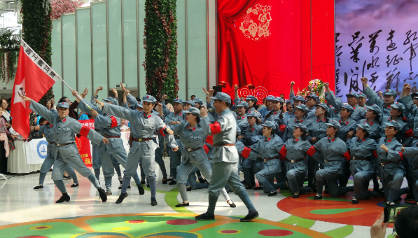 大连庆祝建国70周年《祖国颂》大型公益歌舞晚会圆满举行