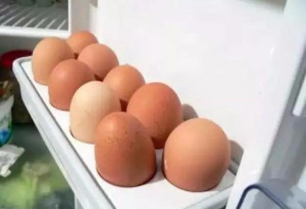 鸡蛋放入冰箱之前用不用洗?教你正确保存鸡蛋,保鲜时间大大延长