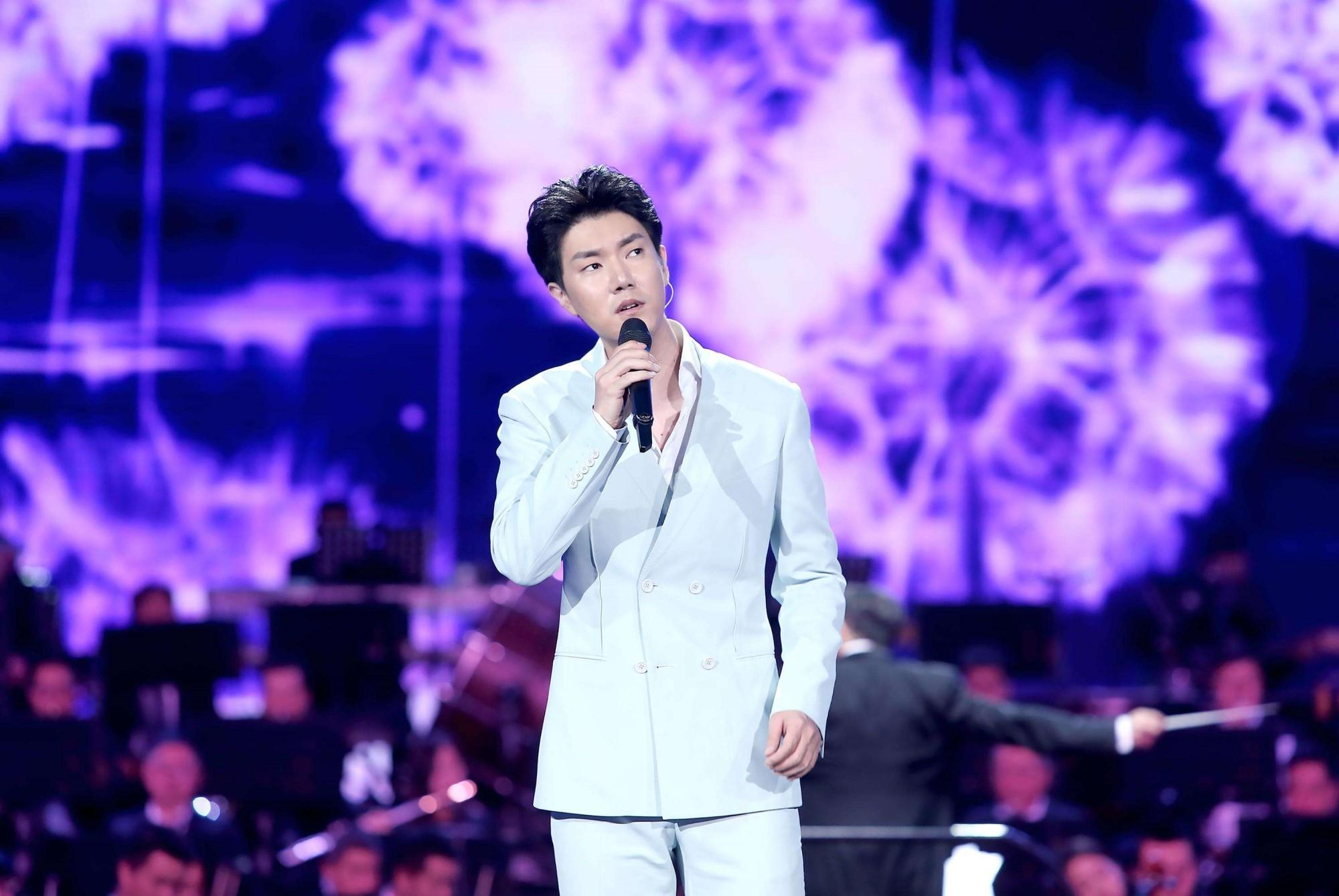 歌手王晰催粉丝做数据,自曝喜欢女友粉,说有种精神出轨的感觉