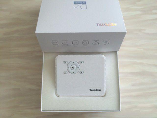 Wetotal 4G便携微投影仪测评_内置系统随时追剧