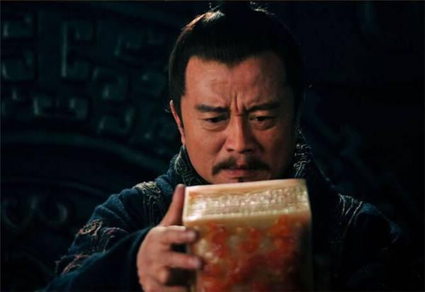 三国袁术何德何能,凭什么拿了一个玉玺就敢称帝?
