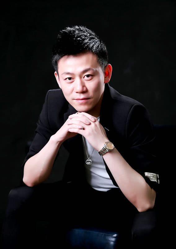造型师设计师雨哲老师