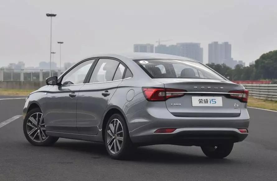 """5月轿车销量仅一款国产车入前十,自主家轿""""一哥""""是荣威i5"""