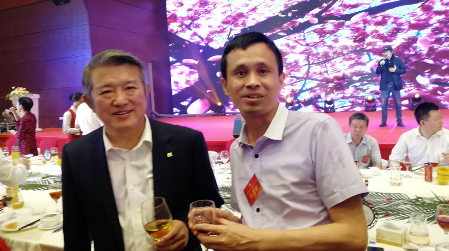 宝运莱榜品牌创办人袁国际参加广东省湖北官方网第五届会员代表大会