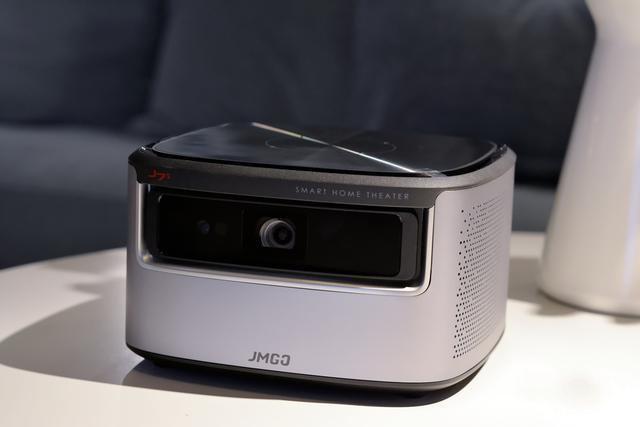 坚果J7S评测 优化散热 升级配置 更加智能