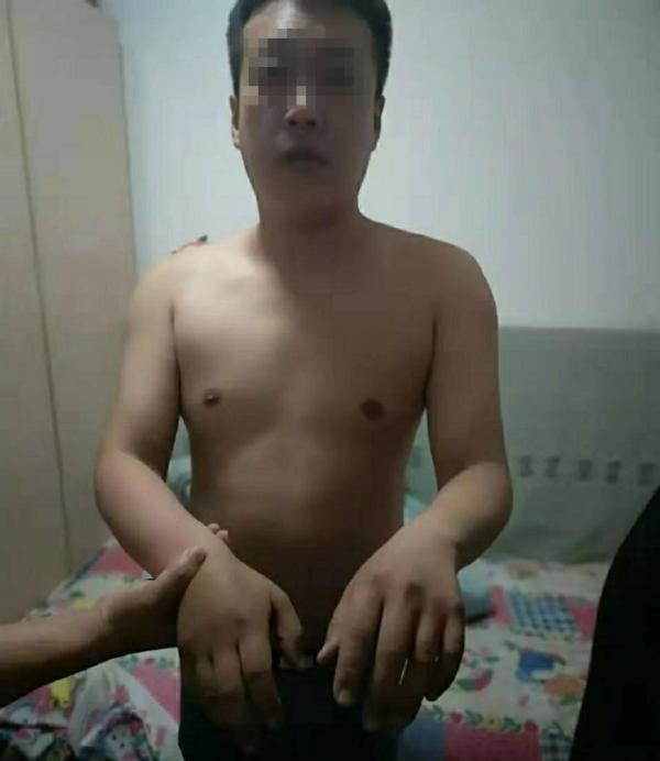 """网传照片男子系""""女孩深夜遭殴打拖行""""案嫌犯"""