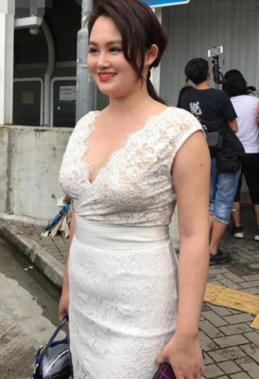 芙蓉姐姐丑吗_李采潭全部作品_2019年度香港小姐海选又来了,每年的选手都能丑 ...