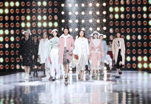 超模助阵CEKEKE茜可可2019时装秀,冬季盛大回归!