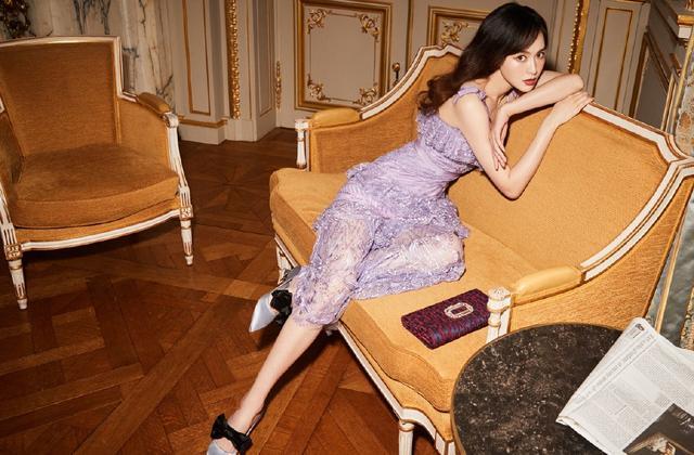 唐嫣穿紫色透视裙秀小蛮腰被怒赞:比A4纸还细