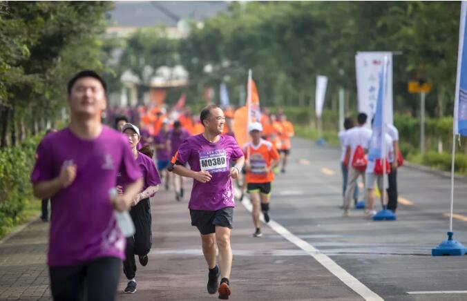 """【益阳画报】""""史上最美乡村赛道""""!2019紫薇国际半程马拉松热力开跑!"""