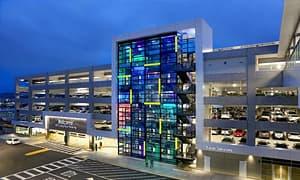 旧金山机场采用欧司朗子公司LED技术,创造精妙灯光秀
