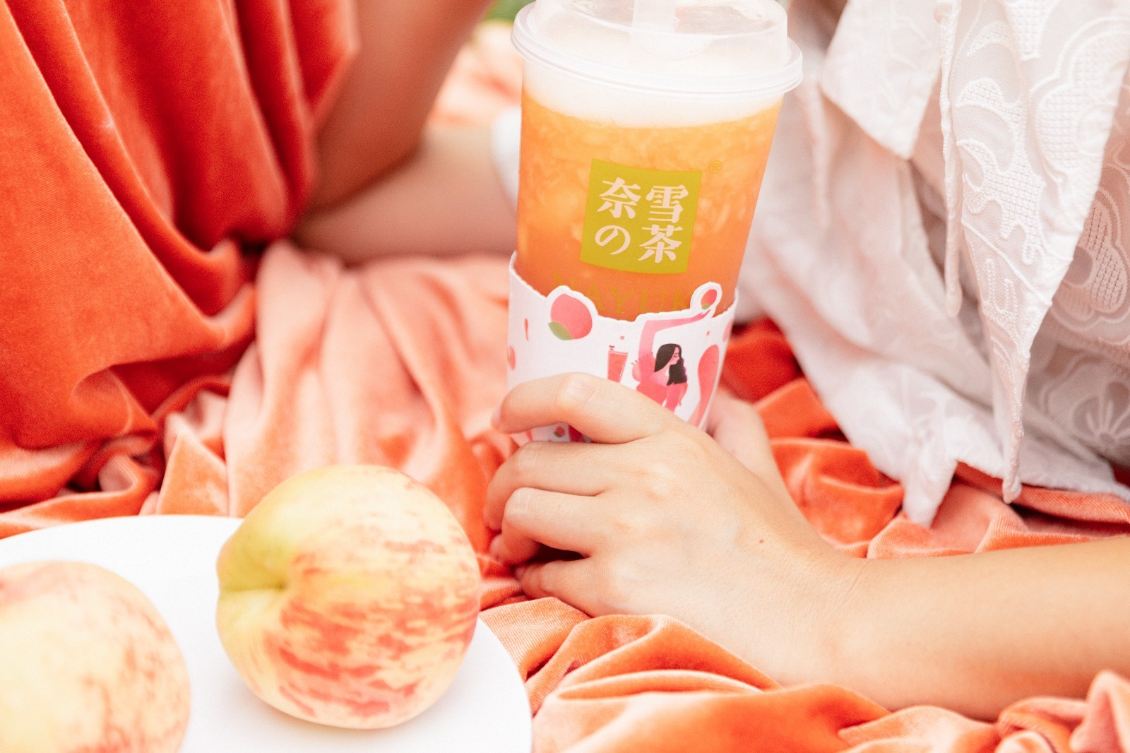 """来奈雪的茶约会""""蔡徐坤"""",圆一场桃喜仲夏梦!"""