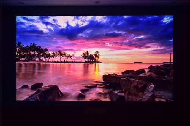 百寸4K画质坚果SU旗舰激光电视体验 高流明抗光