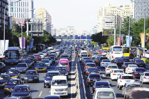 公安部交管局:2019上半年全國機動車達3.4億輛