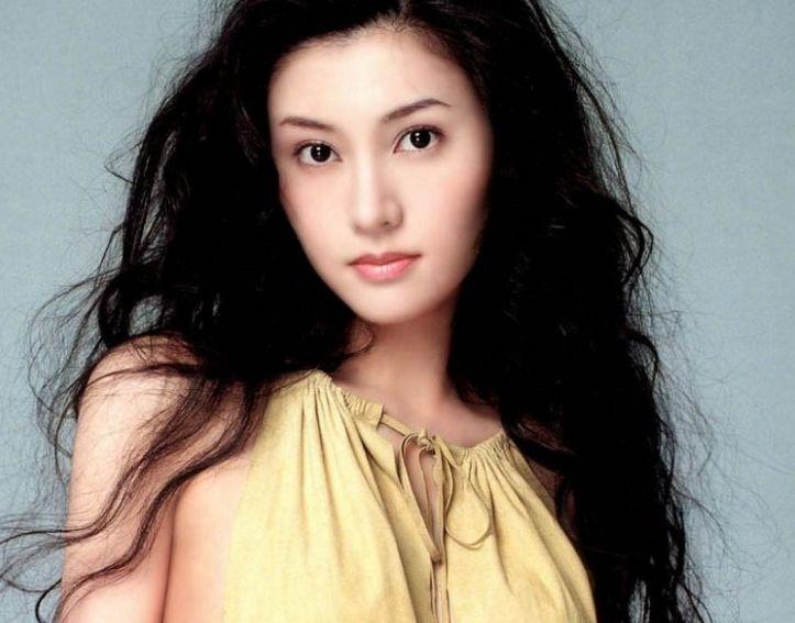 香港4大巅峰美女,女神朱茵未上榜,她是实至名归的第一美女!_张柏芝
