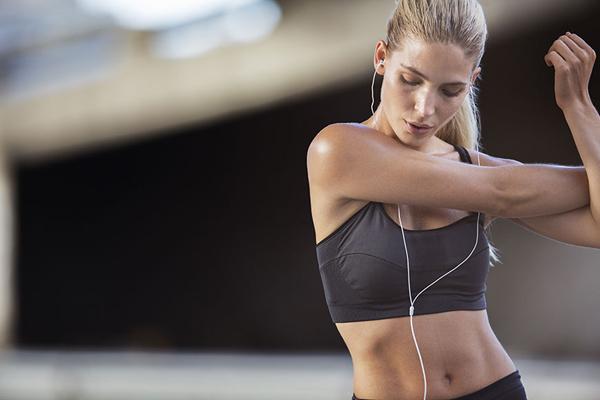 日行一万步才会有益健康?最新研究表明走路无需太多 图1