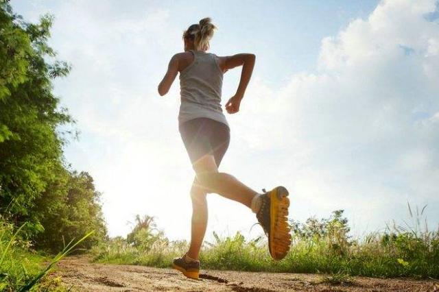 日行一万步才会有益健康?最新研究表明走路无需太多 图2