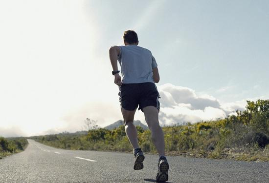 日行一万步才会有益健康?最新研究表明走路无需太多 图3