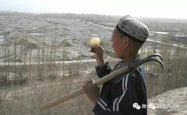 克价13万是什么玉?新疆和田玉传说中的红玉到底存不存在?