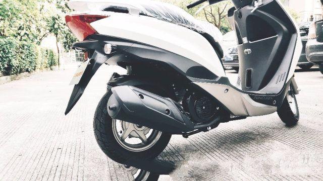 宗申MO悦踏板摩托车 骑行体验 城市通勤 朴素实惠