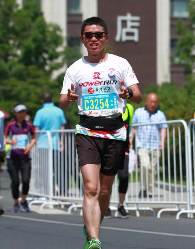 哪些问题影响着中国马拉松的进一步发展?