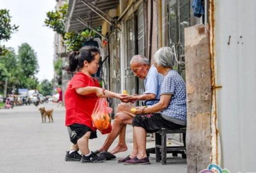"""常州这个""""小人物""""是养老服务中心的快乐天使!"""