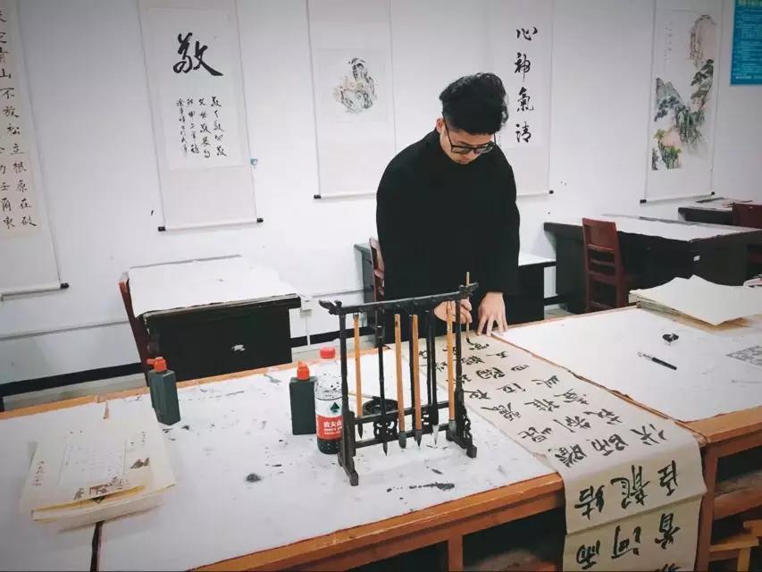2019年武汉工程大学本科助学班优秀毕业生风采||夏洋