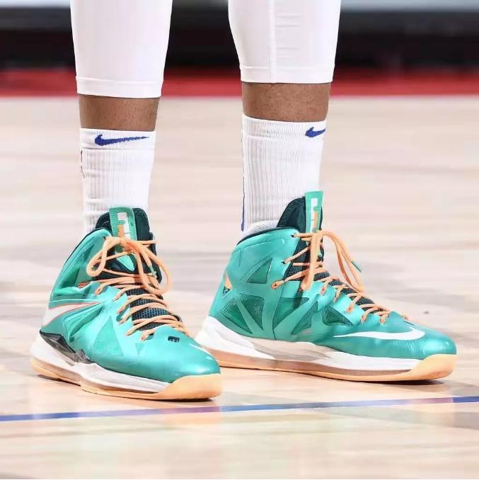 NBA近日上脚:没有比赛就不能穿牛x的球鞋吗?