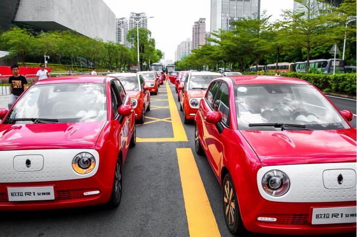 深圳惊现电动小车仪仗队,缘是欧拉唯·ME营试驾车队组团游街