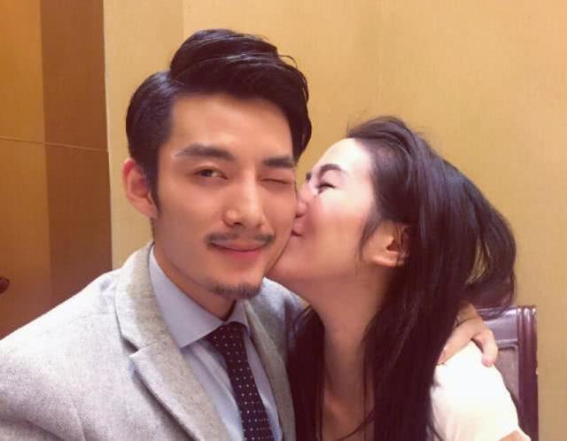 叶璇宣布和小默先生分手,曾为恋爱双商掉线,却是名副其实的学霸