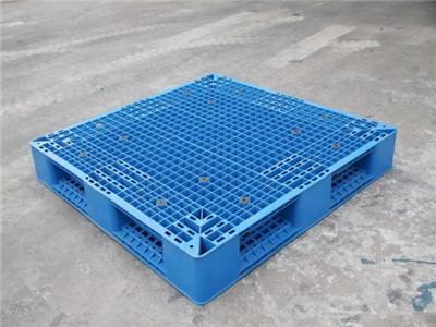 叉车使用平板塑料托盘一般有哪些需要注意?